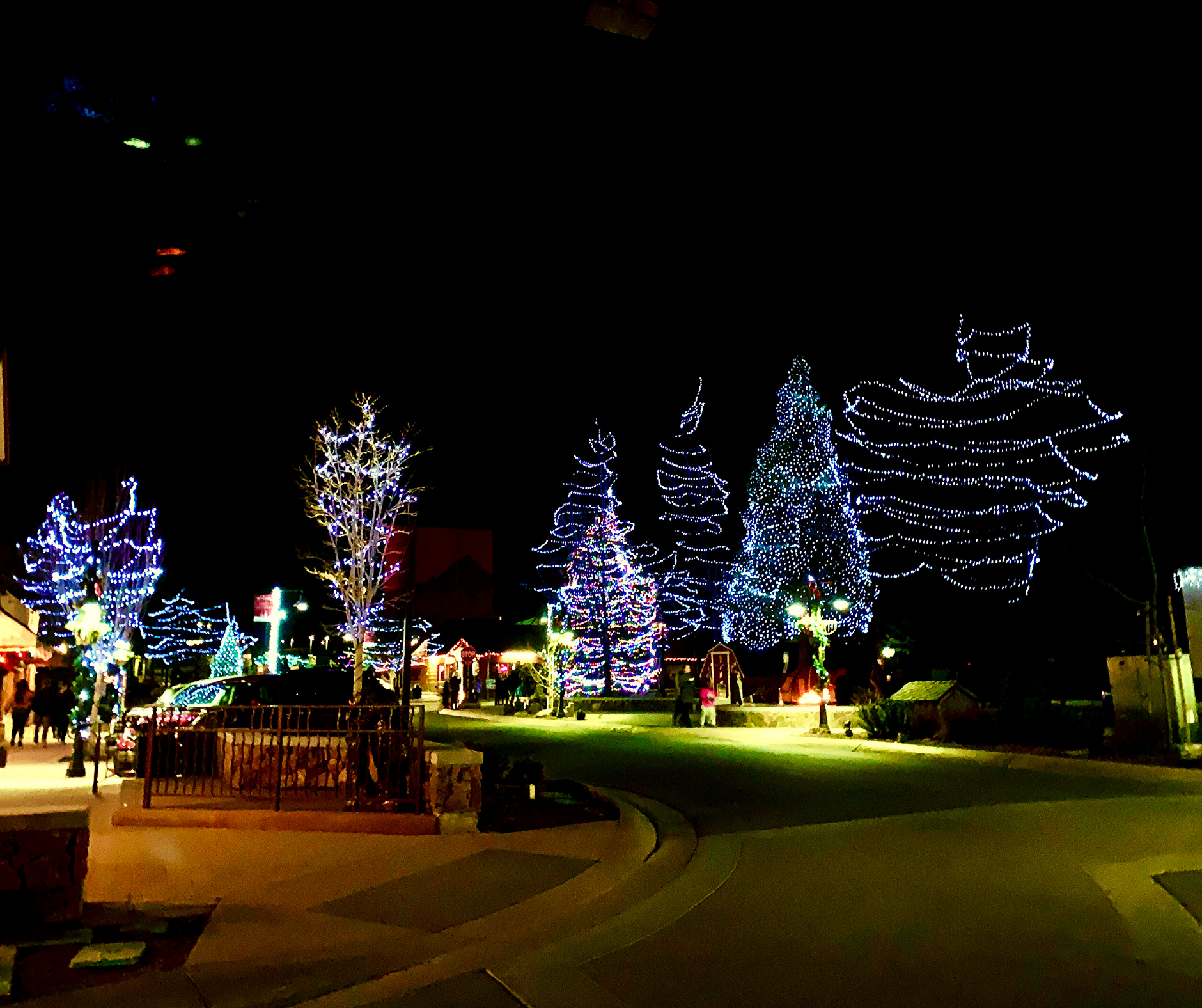 lights on Village Drive in Big bear village